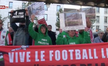 Manifestation pro-palestinienne devant le siège de la Fédération Française de Foot