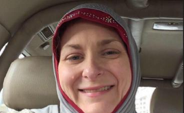 Exaspérée d'entendre Trump critiquer les musulmans, une américaine décide de lire le Coran et finit par se convertir à l'islam