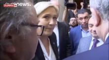 Contrairement à Marine Le Pen, d'autres personnalités ont porté le voile par respect aux pays visités